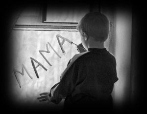«Мертвая» мать или Поговори со мною мама!